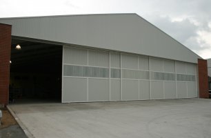 Comprar Gates hangar