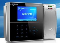 Terminales biométricos de control de acceso